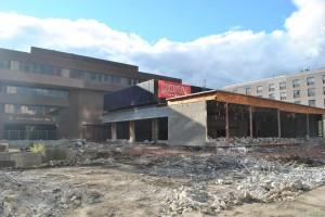 Démolition de l'auditorium de la bibliothèque Gabrielle-Roy